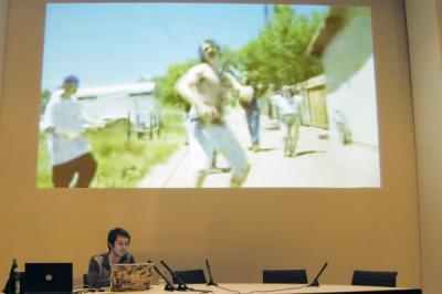 Matthias Fritsch bei einem Vortrag zur Videonale 2009