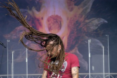Schüttel dein Haar - Tomi Joutsen von Amorphis hat jedenfalls die Mähne dazu